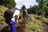 クライマックスは難所の急斜面。植林できるかなあ?